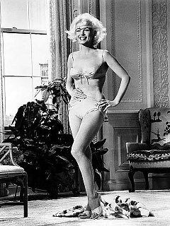 Marilyn Monroe 'Some Like it Hot' star skinning dipping and posing wild