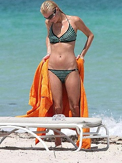 Paris Hilton hot tight body in a little bikini