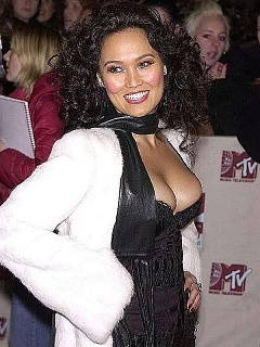 Tia Carrere fully naked and hot photoshoot