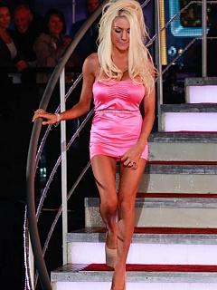 Photo gallery of skanky Courtney Stodden wearing a satin pink mini dress