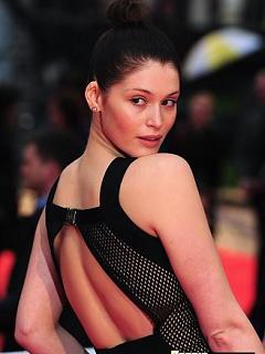 Teen Bond Girl Gemma Arterton bares skin in celebrity pictures